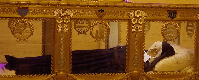 Látogatóban Szent Bernadettnél